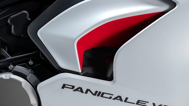 DUCATI_PANIGALE_V2 _18__UC173818_Low