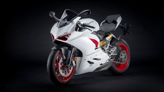 DUCATI_PANIGALE_V2 _5__UC173832_Low