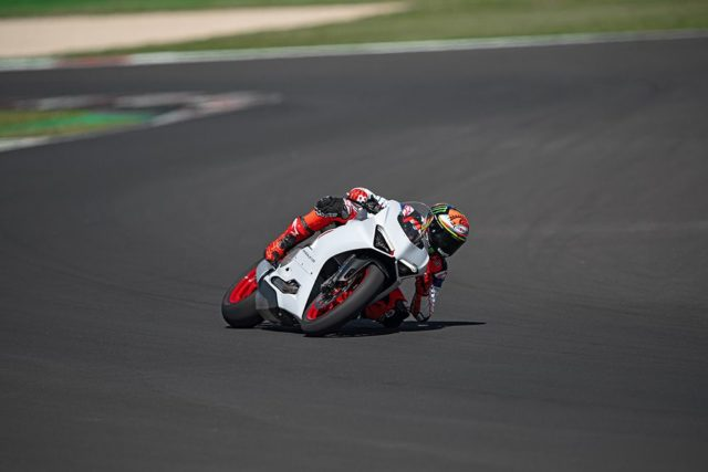 DUCATI_PANIGALE_V2_AMBIENCE _3__UC174124_Low