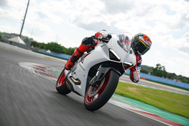 DUCATI_PANIGALE_V2_AMBIENCE _30__UC174118_Low