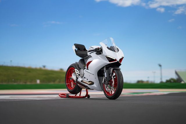 DUCATI_PANIGALE_V2_AMBIENCE _35__UC174101_Low