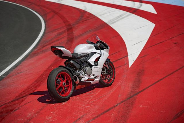 DUCATI_PANIGALE_V2_AMBIENCE _38__UC174103_Low
