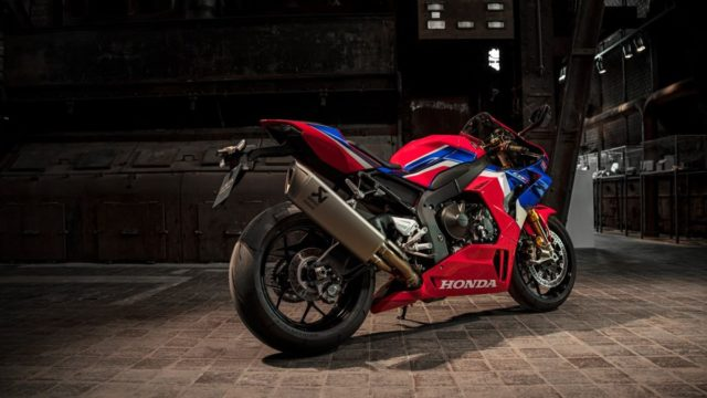 Honda Superbike and Car Included at Red Dot Design Museum 22