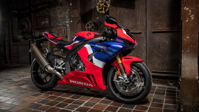 Honda Superbike and Car Included at Red Dot Design Museum 20