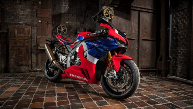 Honda Superbike and Car Included at Red Dot Design Museum 19