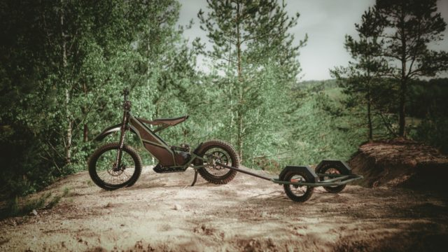 Half bike, Half Scooter - Full Time Electric Motorcycle Blasts Through Dirt Tracks 13