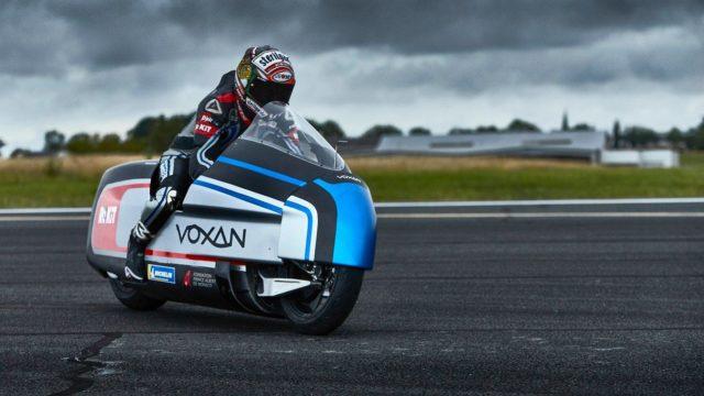 Voxan-Wattman-action-3_4-AVD