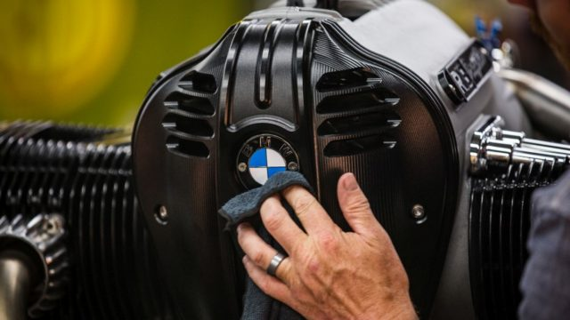 Behold the BMW R18 Dragster 61