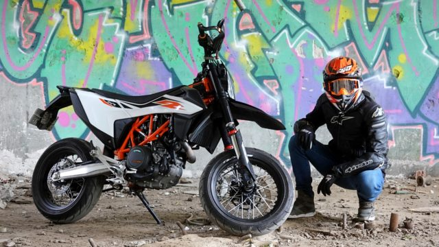 2020 KTM 690 SMC R | Review 1