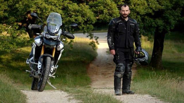 2020 Triumph Tiger 900 Rally Pro. On-Road and Off-Road Review 1