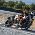 KTM 690 Duke. Big updates for 2016 3