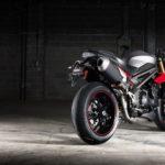 2016 Triumph Speed Triple models revealed 18