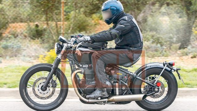 Triumph Bobber spied. Production-ready for 2017 1