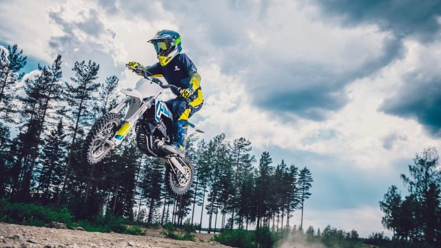 Husqvarna Goes Electric with the EE 5 Dirt Bike 1