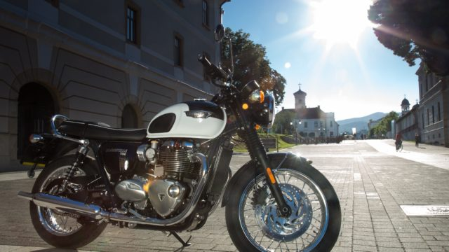 2016 Triumph Bonneville T120 Test Ride 9