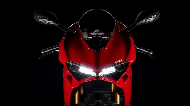 2017 Ducati Supersport in a glimpse. An everyday-use sportbike 1
