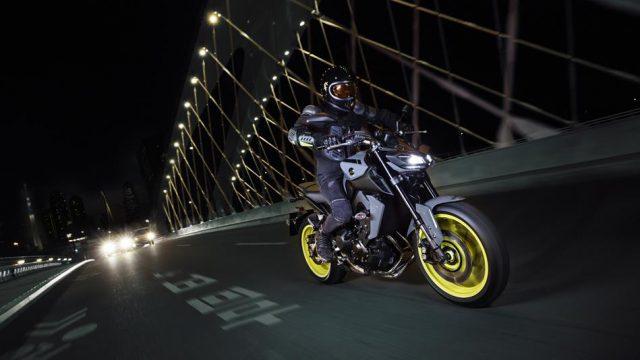 2017 Yamaha MT 09 EU Night Fluo Action 003