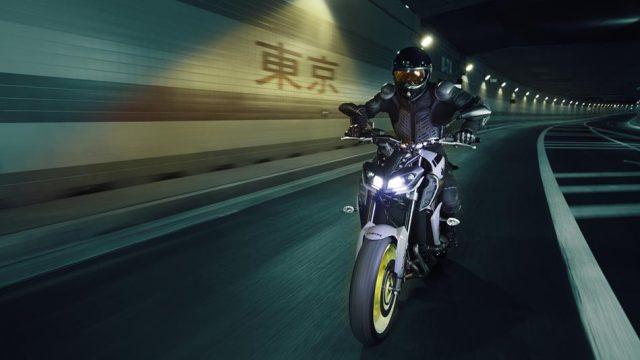 2017 Yamaha MT 09 EU Night Fluo Action 006