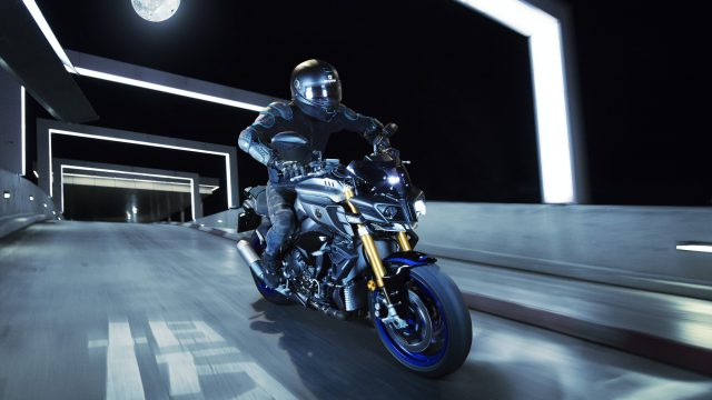 2017 Yamaha MT-10 SP. When the R1M gets naked 5