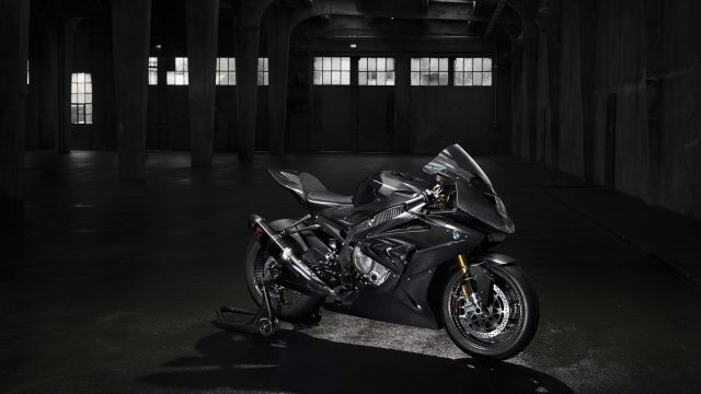 2017 BMW HP4 Race high resolution photos 09