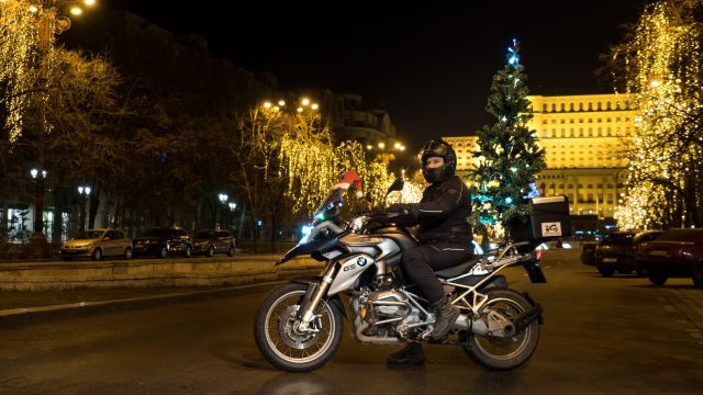Riders Holiday Special: Watch our Christmas Tree Movie 4