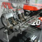 HONDA NR750 RC40 - Oval Pistons Poetry 9