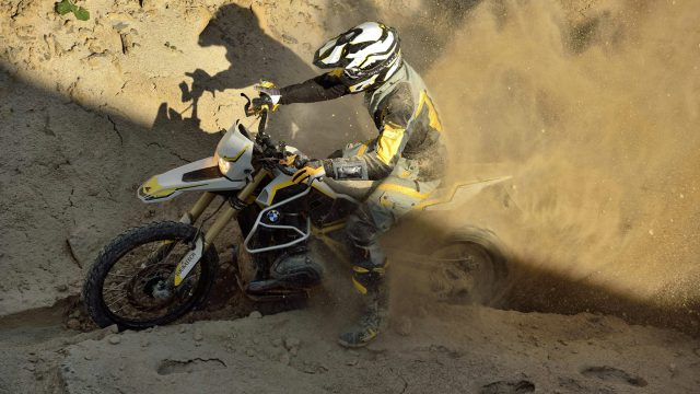 BMW R1200GS Rambler is 50 kg lighter and Rides Like Hell VIDEO 1