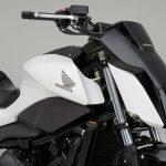 Honda's Self-Balancing Bike Follows You Like a Dog 6