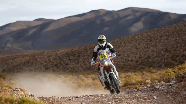 Dakar Rider Survives Lightning Strike and Finishes 15th 1