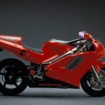 Honda NR750 RC40 Test: Unaffordable Excellence 18