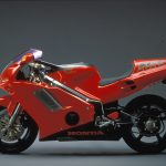 Honda NR750 RC40 Test: Unaffordable Excellence 20