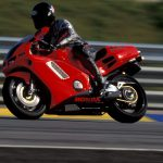 Honda NR750 RC40 Test: Unaffordable Excellence 15