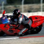Honda NR750 RC40 Test: Unaffordable Excellence 17