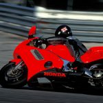 Honda NR750 RC40 Test: Unaffordable Excellence 6