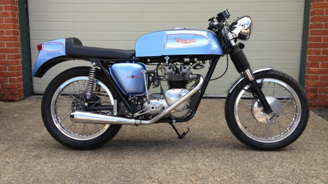 Triumph Cafe Racer Blue