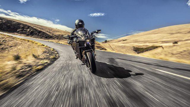 Kawasaki Ninja H2 Carbon Front