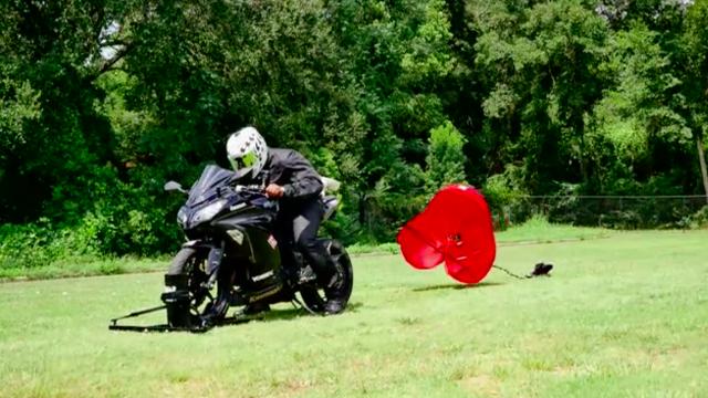 moto parachute experiment.png