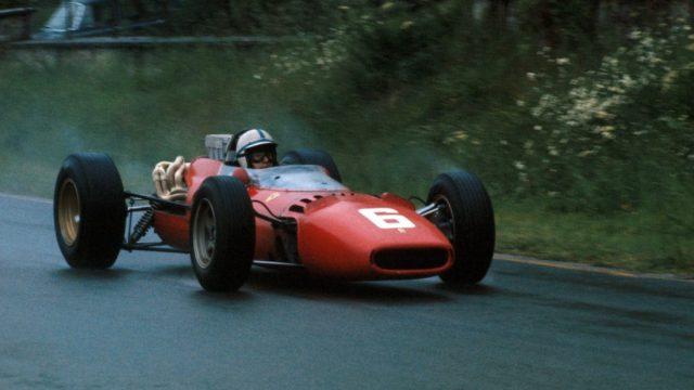 John Surtees in Ferrari V6 Tipo 156 world champion 1964