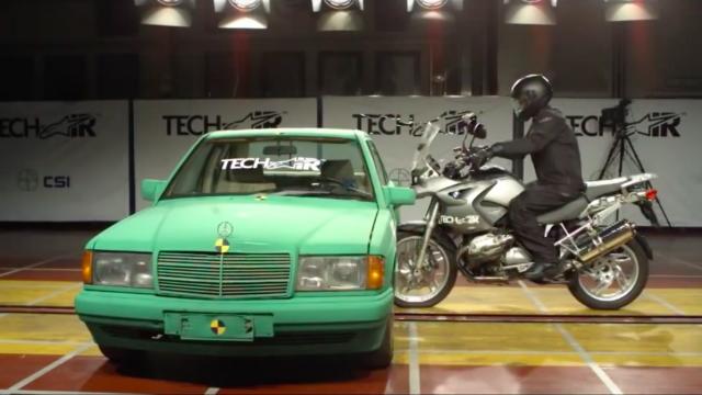 BMW R1200GS vs. Car - Crash Test 1
