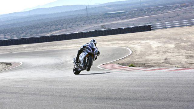 BMW HP4 RACE 10