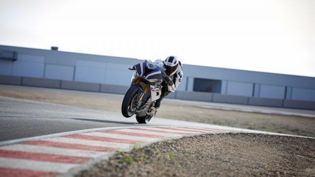 BMW HP4 RACE 12
