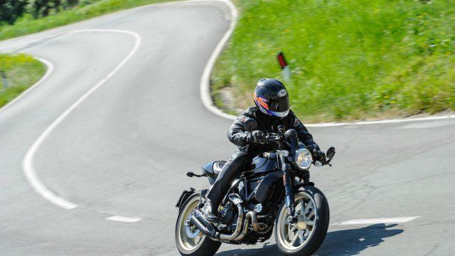 Ducati Scrambler Cafe Racer 2
