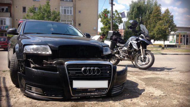 BMW R1200GS vs. Audi A6: 3-0 3
