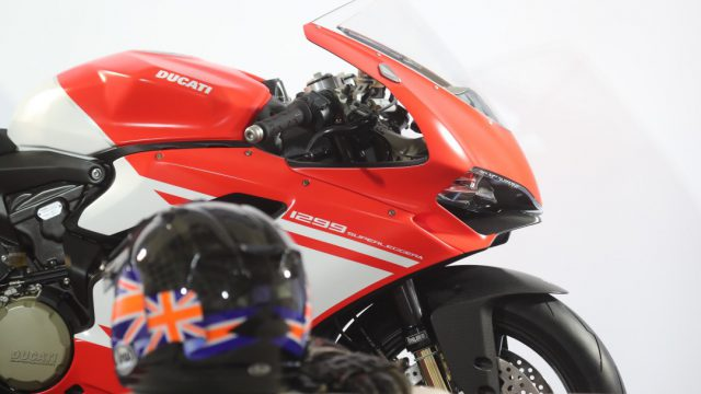 Ducati_superleggera_Action_Riders19