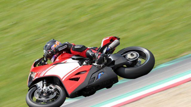 Ducati_superleggera_Action_Riders52