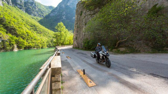 Riders_benelliTRK5022