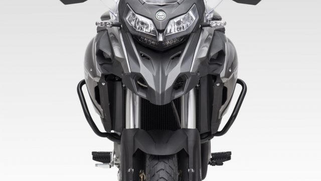 Riders_benelliTRK50220