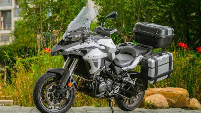 Riders_benelliTRK50222