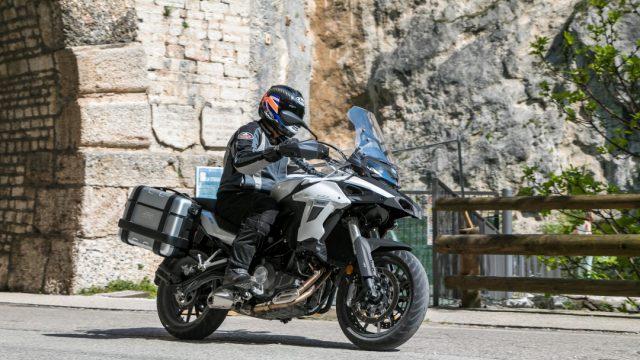 Riders_benelliTRK5027