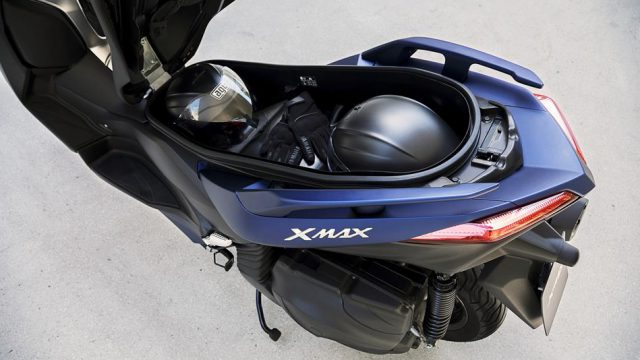 2018 Yamaha X MAX 400 EU Phantom Blue Detail 006